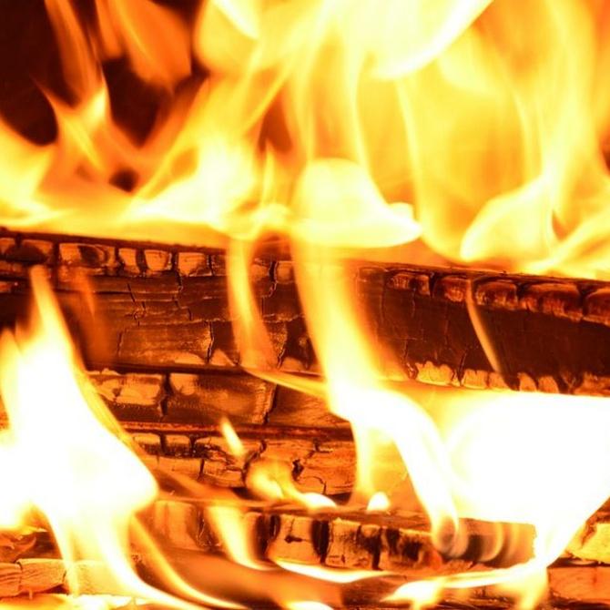 ¿Sabes encender un fuego con leña?