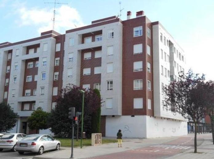 Alquiler Local Junto Promecal: Venta y alquiler de inmuebles de Inmobiliaria Renedo