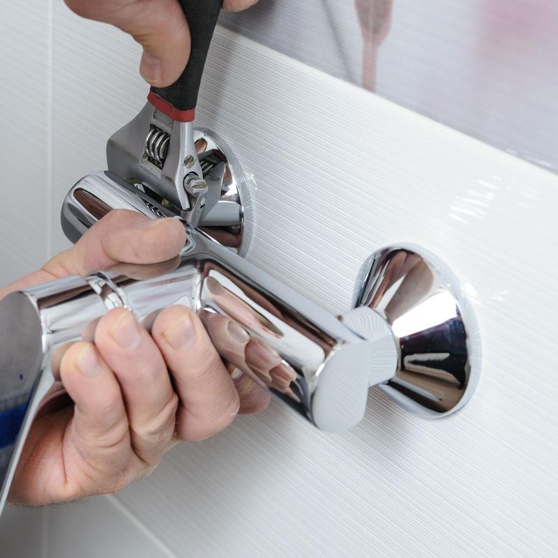 Reparación fontanería: Servicios de JULIÁN LÓPEZ GÓMEZ