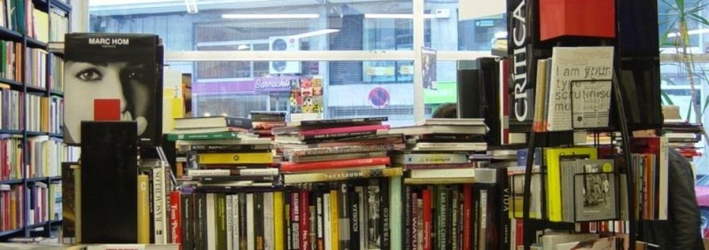 Librerías en Santiago de Compostela   Librería Follas Novas, S.L.
