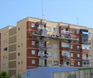 Rehabilitación de fachada con andamio bimástil. Cartagena