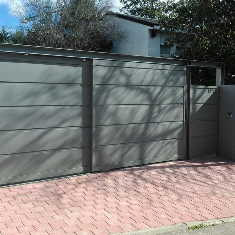 Puertas automáticas correderas: Servicios y Productos de Cerrajería Avelino Izquierdo, S.L.