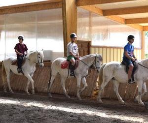 Clases de equitación en el valle de Romanzado