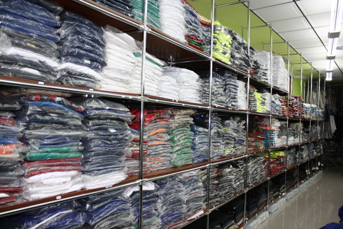 Fotos de Ropa de trabajo y Uniformes en Torrelavega | Confecciones C.R.A.S.-Confecciones Carpa
