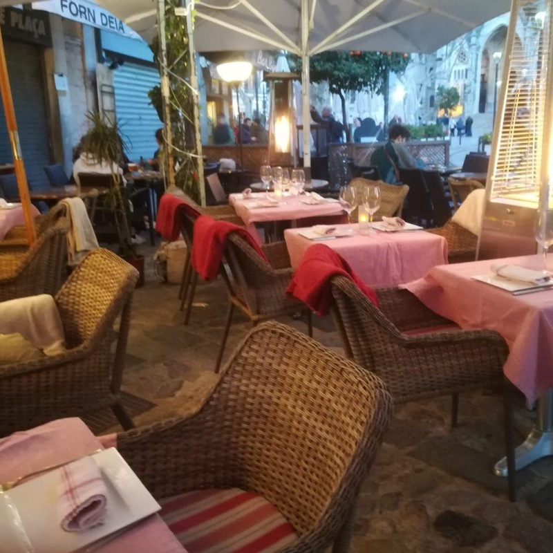 Salads and pastas: Our specialities de Restaurant Sa Cova