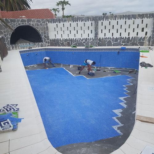Fotos de Piscinas (instalación y mantenimiento) en Costa Adeje | Coral Piscinas, S.L.U.