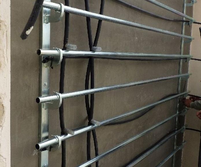 Estructura metálica soporte de los módulos del jardín vertical