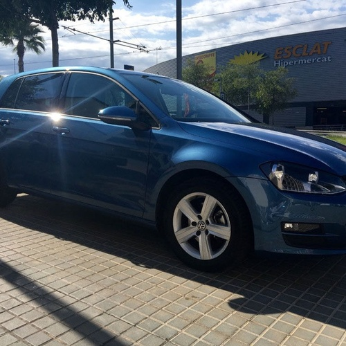 Volkswagen Golf 1.6 TDI Advance 105 cv azul