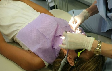 Poner implantes dentaless en Zaragoza