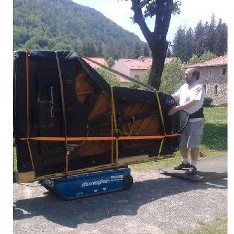 Servicio de transporte: Servicios de Afinador de Pianos E. Ferrer