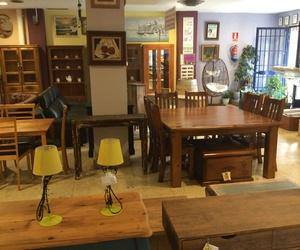 Gran variedad de muebles