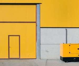Instalación y mantenimiento de puertas automáticas industriales