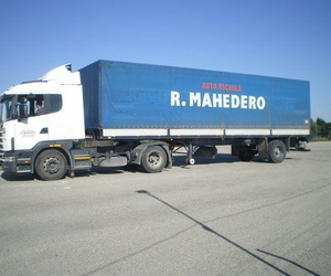 Obtención del permiso de camión C en Úbeda