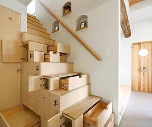 Escaleras con armarios