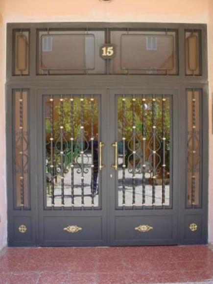 Puertas comunidad: Categorias de Hermanos Orozco S. L.