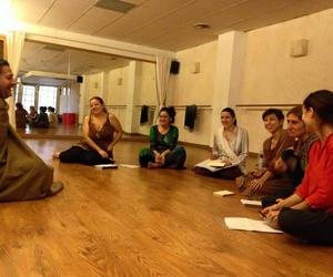 Clases de música y danza del Norte de la India