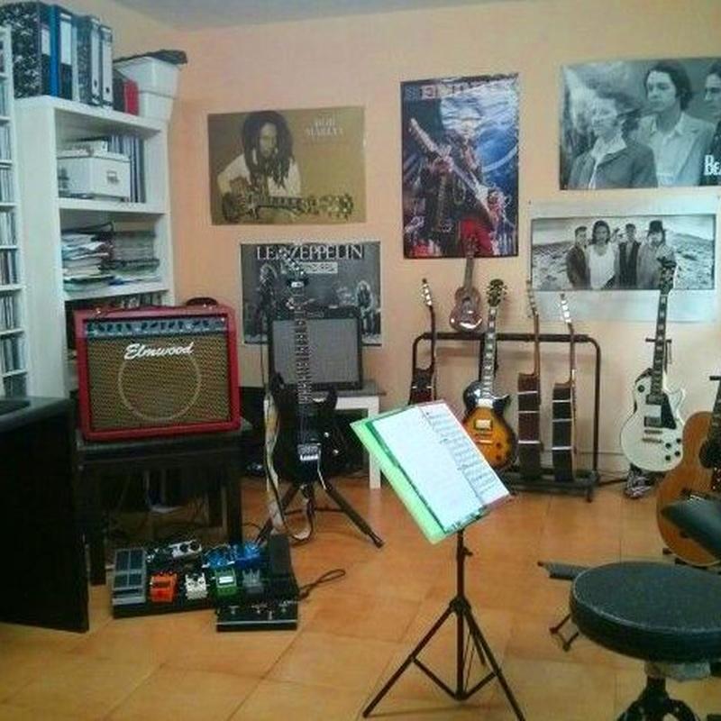 Una de nuestras aulas de guitarra