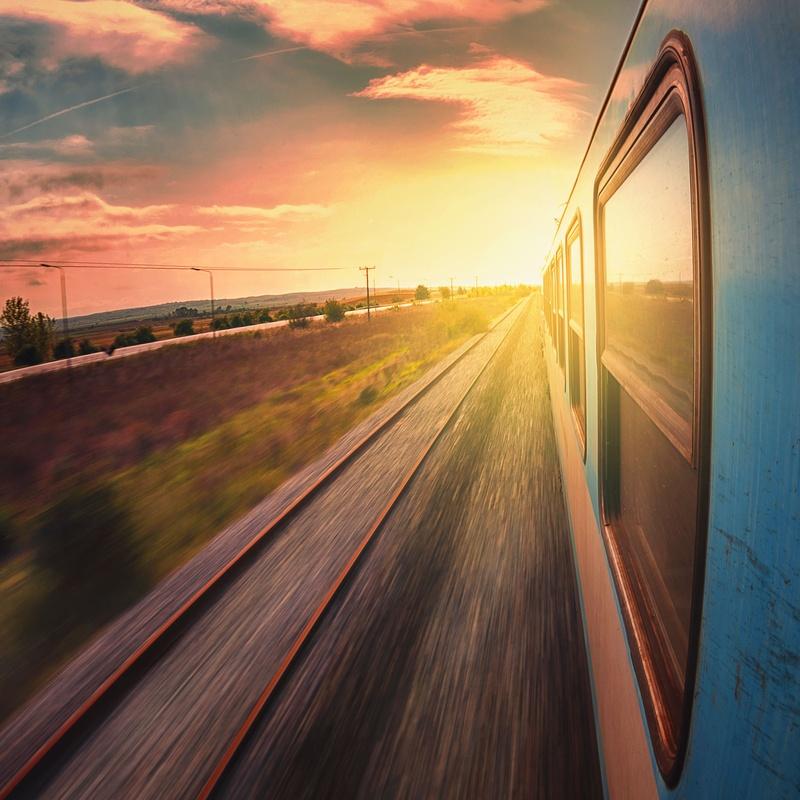 Ferrocarriles: Obras y servicios de Domingo Cueto
