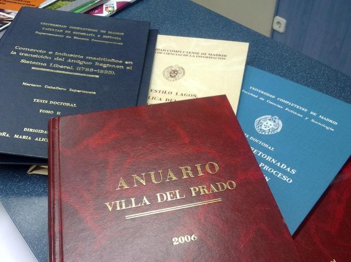 ENCUADERNACION TESIS Y PROYECTOS FIN DE ESTUDIOS