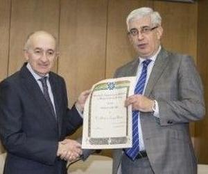 Arturo Canga, condecorado por la Sociedad Asturiana de Medicina y Seguridad del Trabajo