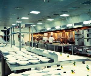 ¿Qué no debe faltar en una cocina industrial?