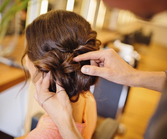 Recogidos y peinados de fiesta: Nuestros servicios de Peluquería Miquel Carreras