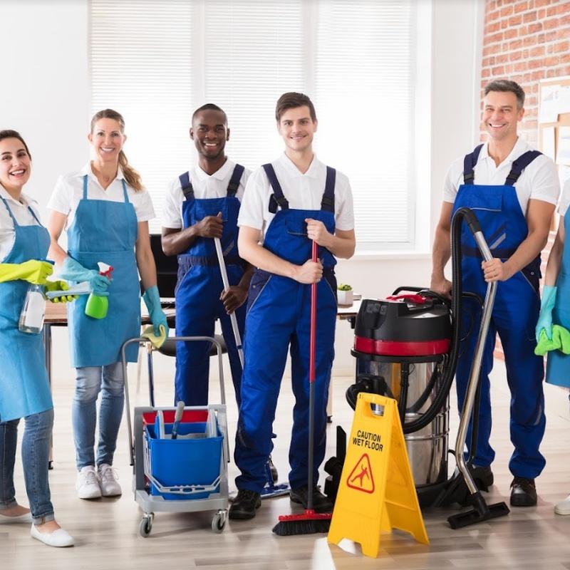 Servicio de suplencia de porteros y limpiadores: Nuestros Servicios de Crisan Limpiezas