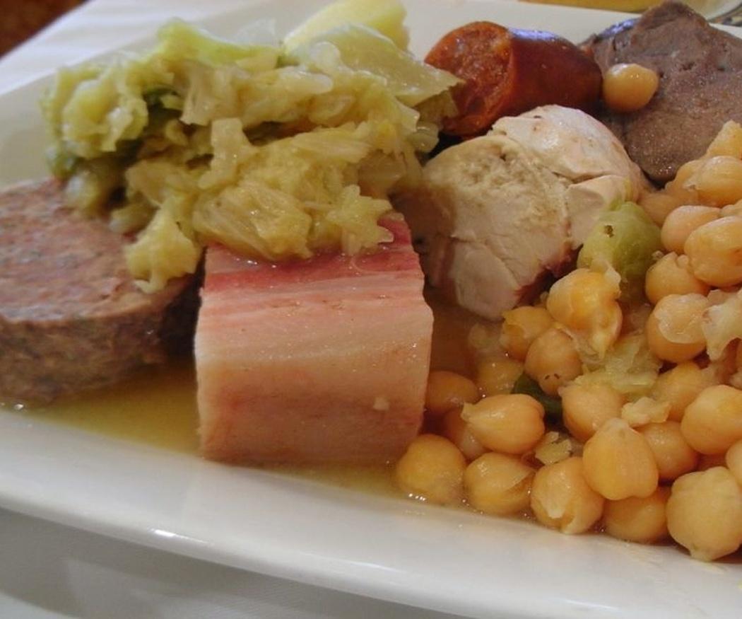 Disfruta de los platos de cuchara en nuestro comedor