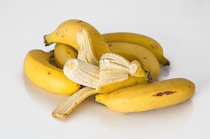 Del plátano con VIH al pintalabios con plomo: cuatro virales desmentidos por la ciencia