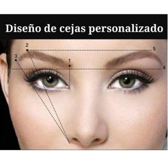 Diseño de cejas: Servicios de Alonzo peluqueros | peluquería en plaza mayor