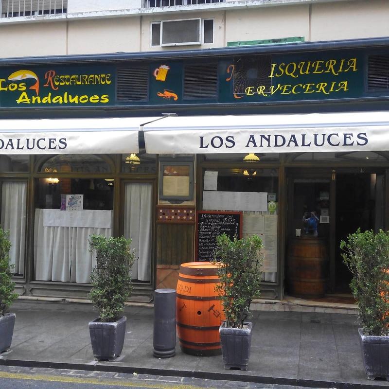 Raciones y mariscos: Especialidades de Restaurante Los Andaluces