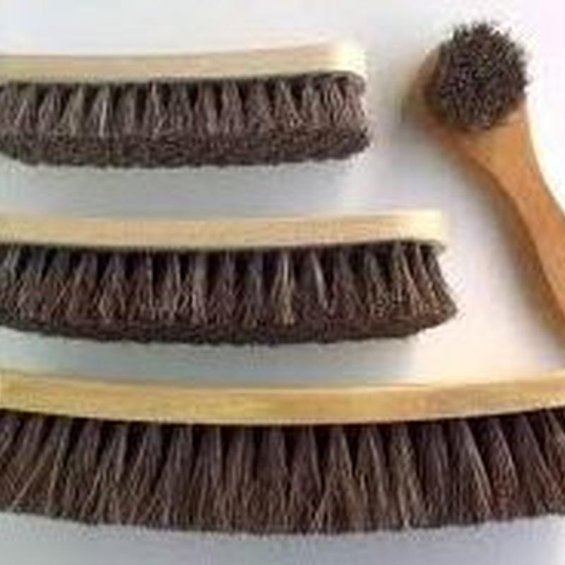 Cepillo limpieza y brillo zapatos: Productos de Zapatería Ideal