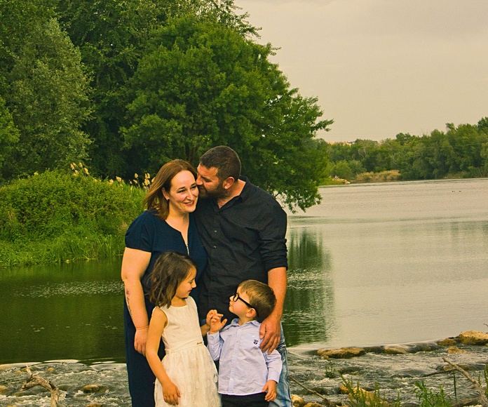Familia: Servicios  de Estudio Fotográfico Hazme una Foto