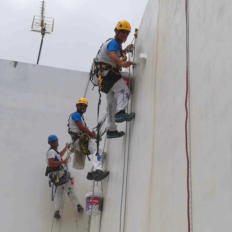 Trabajos verticales, averías: Servicios de Grupo Dicopint 2002, S.C.L.