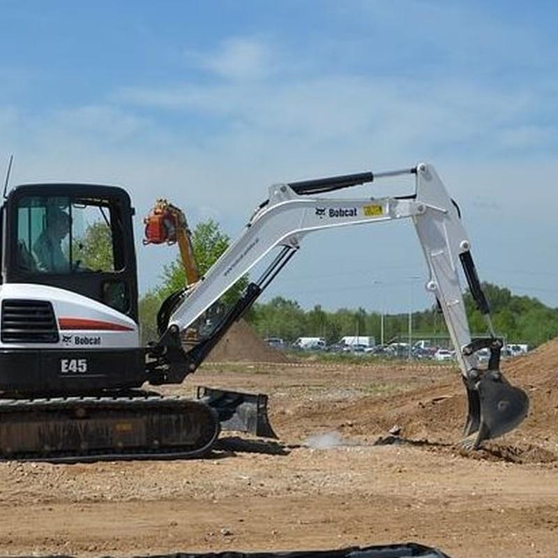 Movimientos de tierra y excavaciones: Servicios de Enderrocs SBD