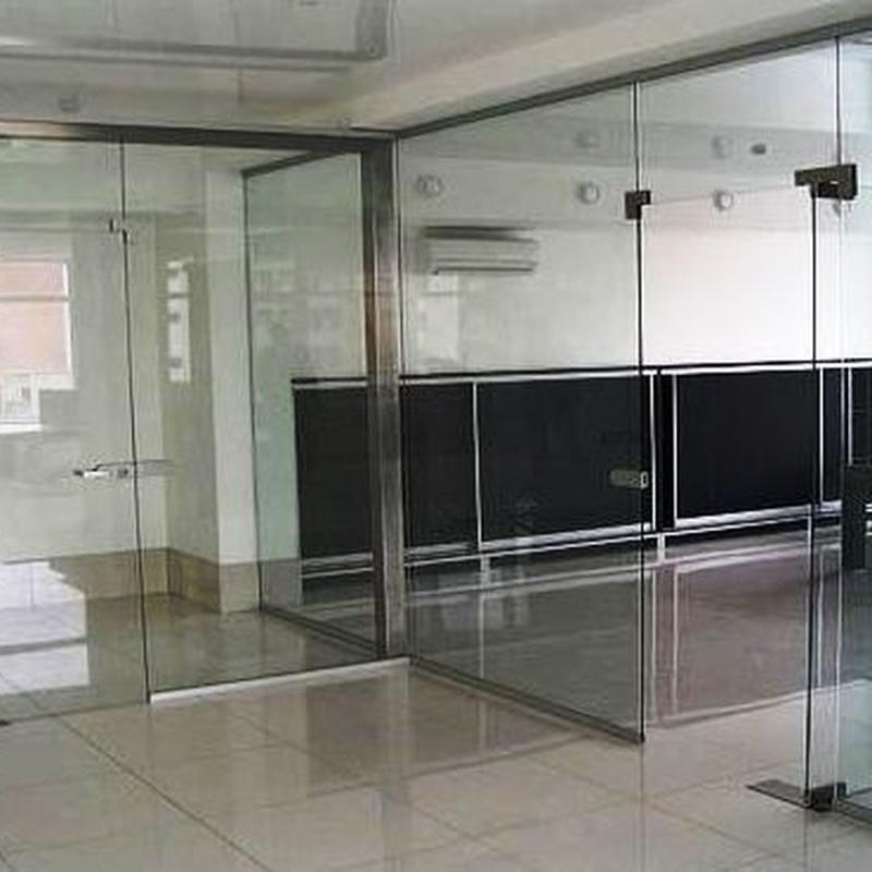 cristaleria-formas-division de oficia-puerta abatible
