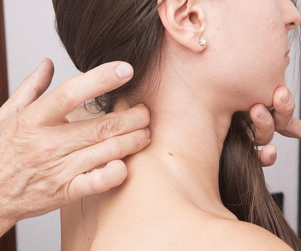 Cómo mejorar tus posturas y disminuir dolores y molestias
