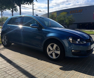 Volkswagen Golf 1.6 TDI Advance 105 cv azul