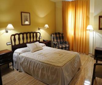 Las Carnes : Instalaciones y Servicios  de Restaurante - Hotel  de Carretera El Oasis**