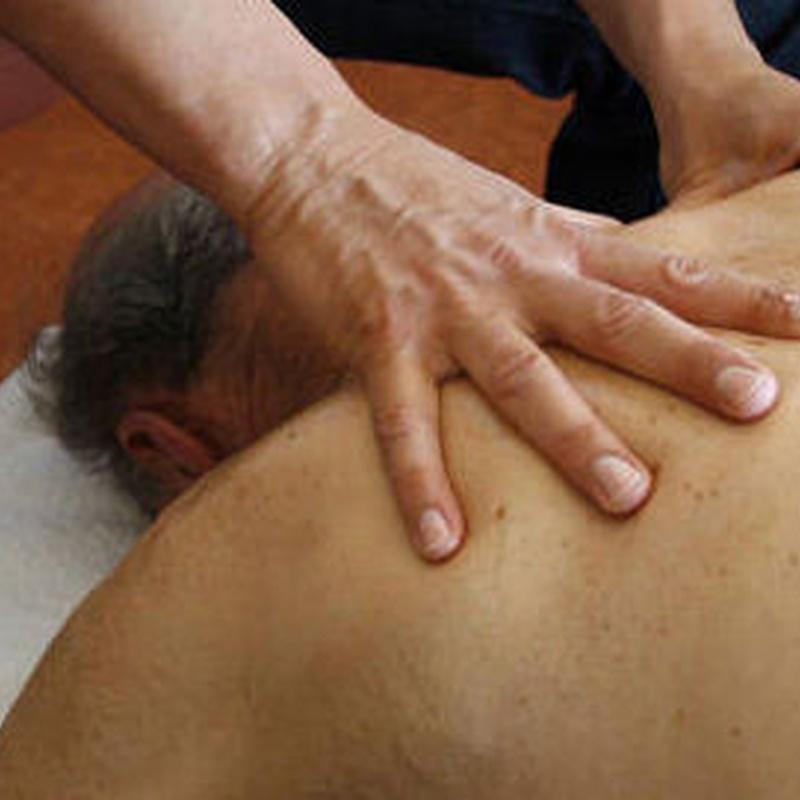 Masajes Terapeúticos: Tratamientos naturales  de Raices Rojas
