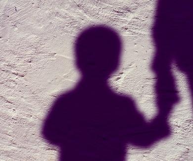Suspensión del régimen de visitas del padre no custodio en caso de violencia.