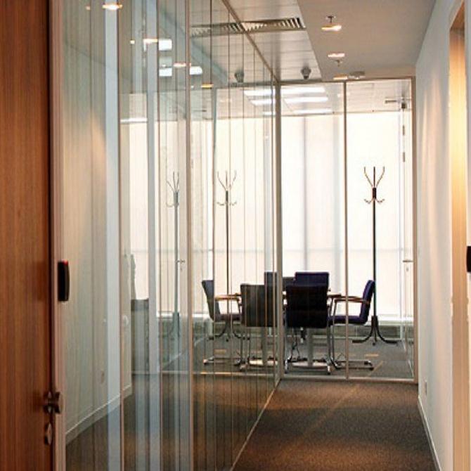 La tendencia a usar cristales en las oficinas