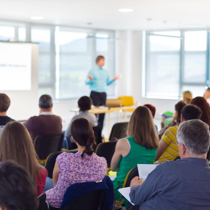 Business english in company (inglés para empresas): Academia de idiomas de LEIN'S SCHOOL