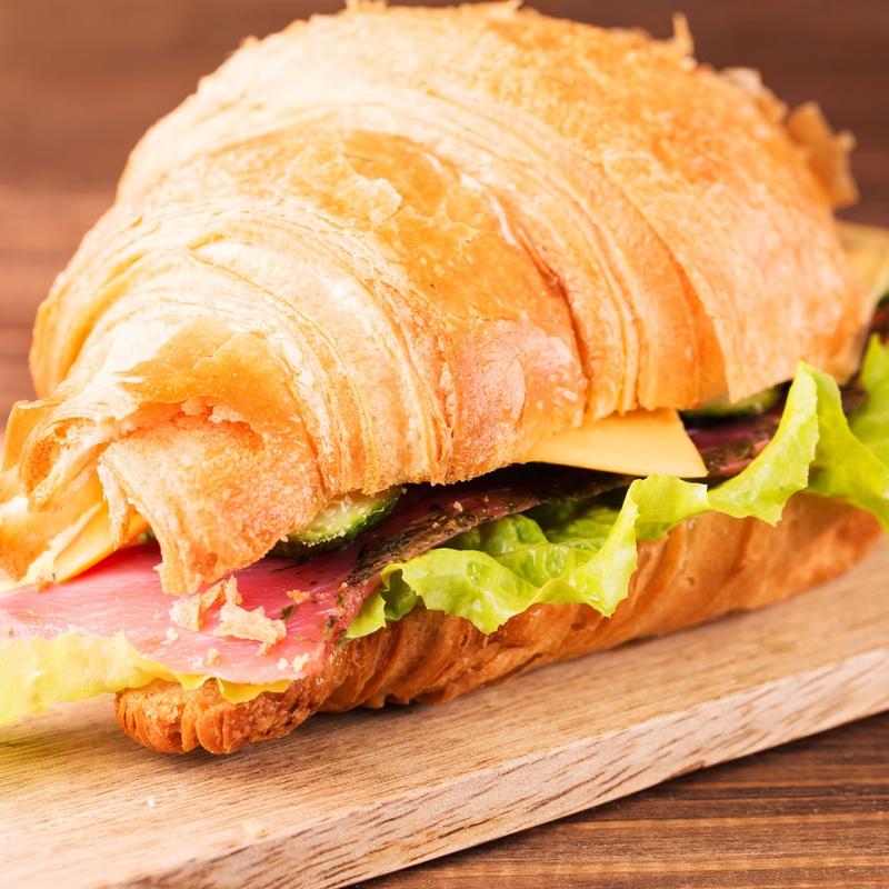Croissant especial: Menús de Restaurante Terraza La Parrilla de Valdemoro