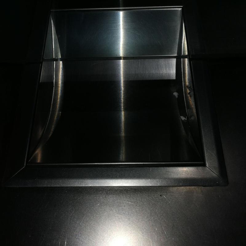 Pasamonedas de acero inoxidable para local comercial