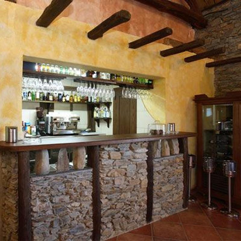 Cafetería y otras instalaciones: Servicios de Hotel y apartamentos Penarronda Playa