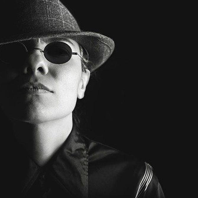 ¿En qué nos parecemos a los detectives privados de las películas?