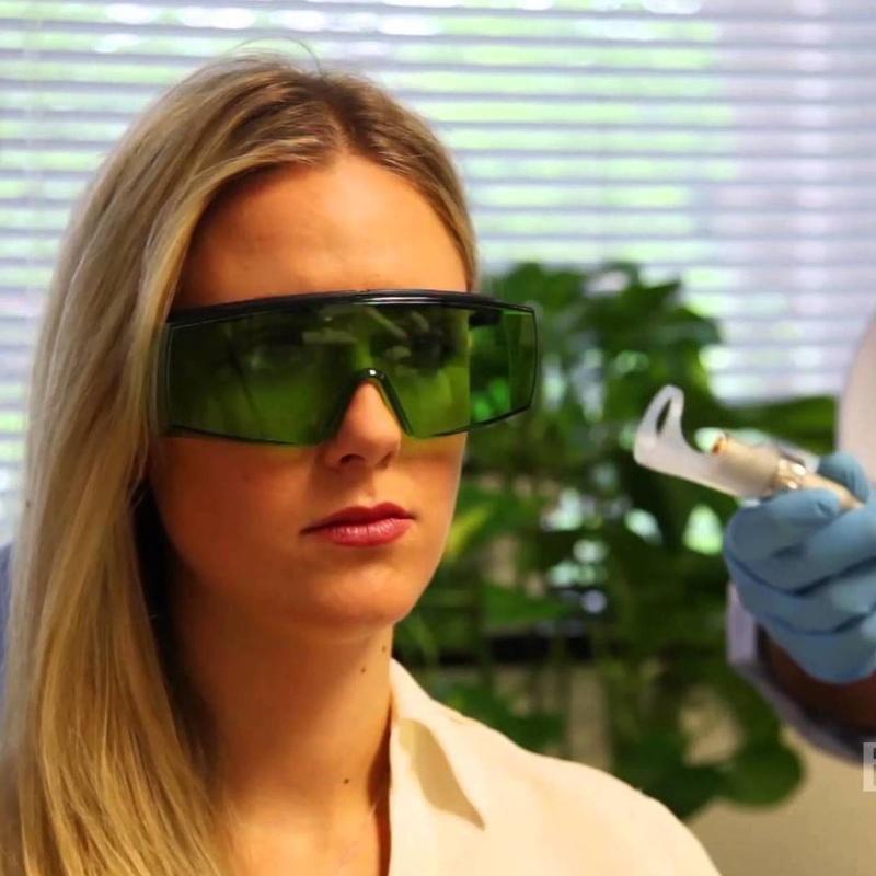 Tratamiento con láser : Servicios de Clínica Dental Dra. Belkys Hernández Cabrera