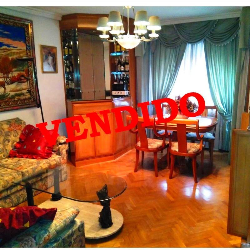 Piso en Avda. San Diego: 125 m², 4 habitaciones, 2 baños y terraza de 80 m²:  de Vicente Palau Jiménez - Agente Inmobiliario