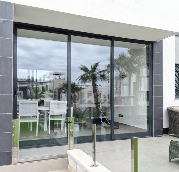 Aluminio y PVC: Productos de Tech Glass Systems